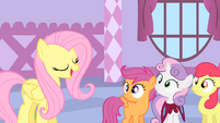 Fluttershy talks to the CMC S1E17