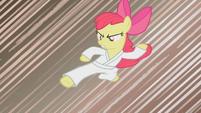 Apple Bloom doing karate S1E12