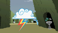Rainbow Dash sees a cloud S2E01