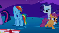 Scootaloo leaves with the eaten apple S1E26