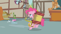 Pinkie Pie marching S01E10