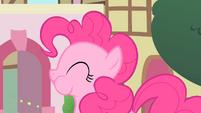 Pinkie Pie with puffed cheeks S1E22