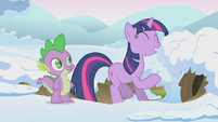 Twilight expecting cute critters to come out S1E11