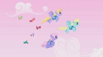 Cloud Kicker, Sassaflash, and Rainbowshine guiding birds S1E11