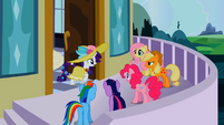 Surprised Rarity and main 5 ponies S02E09