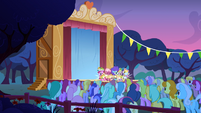 Audience watching fillies performing S1E23