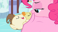Pinkie Pie placing blanket S2E13