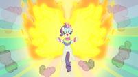 Rarity on fire! S01E16