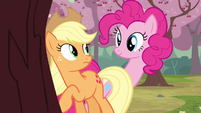 Pinkie Pie long neck S2E14