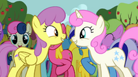 Ponies singing along 2 S2E15