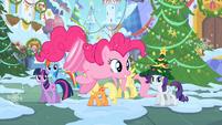 Pinkie with wheel feet S2E11