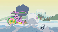 Applejack and Spike caught up in snowball S1E11
