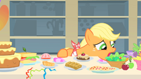 Applejack doesn't know what to eat first 1 S01E22