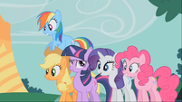 Confident Twilight with amazed friends S1E26