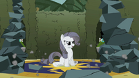 Grey Rarity smirking S2E1