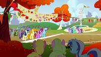The Running of the Leaves start line S01E13