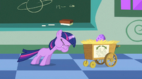 Filly Twilight struggling to use her magic 2 S1E23