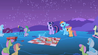 Rainbow Dash wishes that she had an assistant S1E24