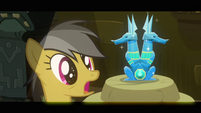 Daring Do sees the idol S2E16