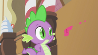 Spike dodging the icing S2E03
