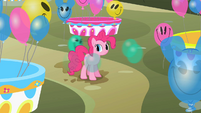 Balloon Discord spinning around Pinkie S2E01
