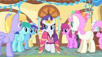 Rarity eyes other ponies suspiciously S01E22