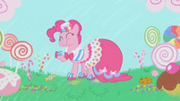 Pinkie Pie in candy field S1E14
