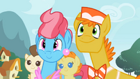 Mr. and Mrs. Cake hoping Fluttershy will foalsit for them S2E13