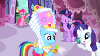 Pinkie Pie aghast at Rainbow and Rarity receiving Parasprites S1E10