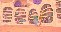 Spike holding ladder against wall S1E24