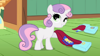 """Sweetie Belle """"and capes!"""" S01E17"""