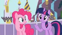 Pinkie Pie and Twilight happy S2E9