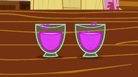 CMC's glasses of totally not love concoction S2E17