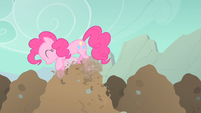 Pinkie Pie digging happily S1E19