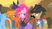 Pinkie Pie getting weird stares S1E21