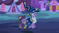 Spike thinks Applejack is praising his costume S2E04