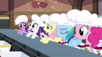 Rarity working cherry orchard S2E14