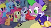 Spike getting close to audience S2E11