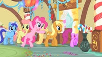 Pinkie Pie leaving with the other ponies S1E22