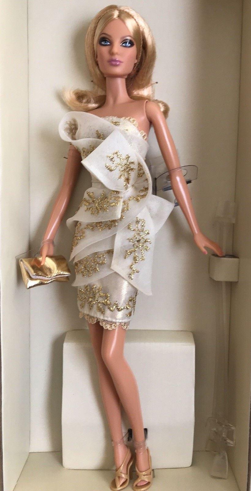 Resultado de imagem para barbie glimmer of gold