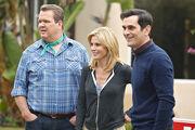 Modern-Family-Season-4-Episode-10-Diamond-in-the-Rough-3-550x366