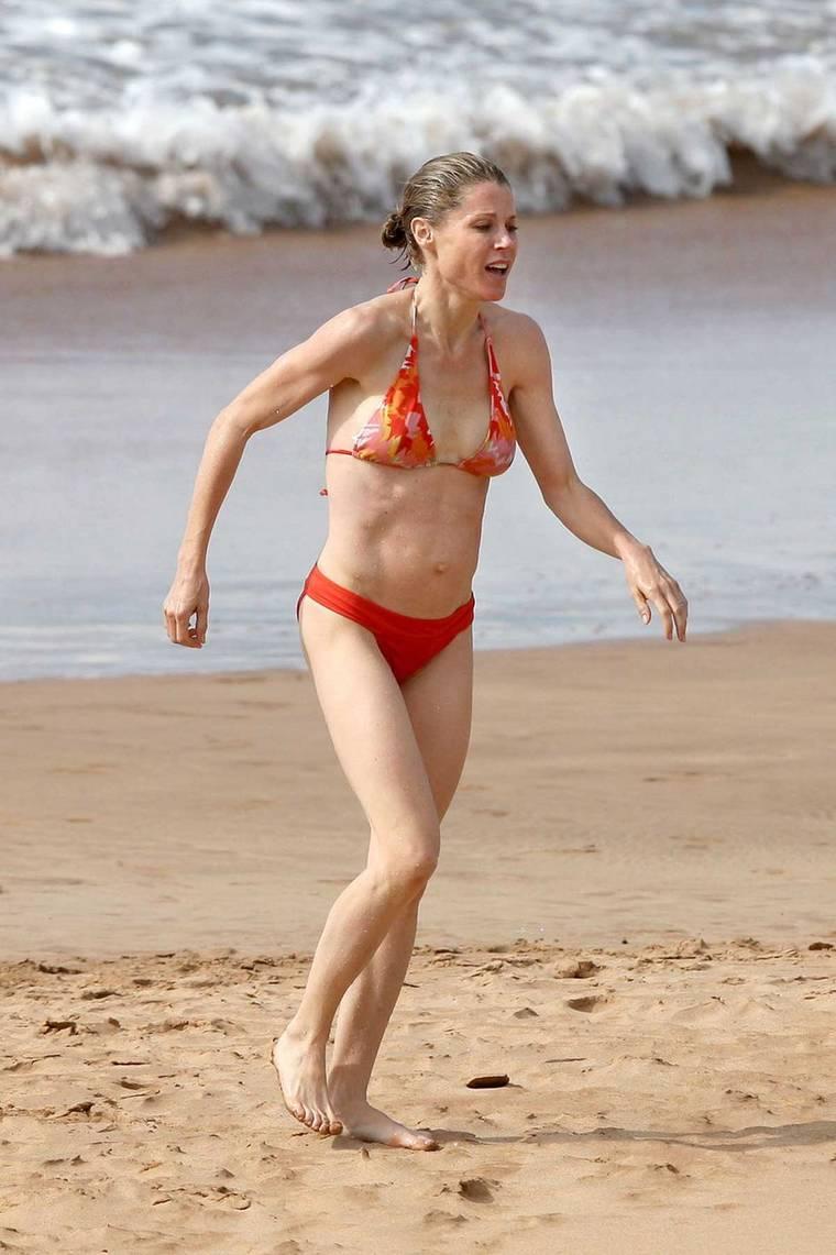 Julie bowen bikini pics