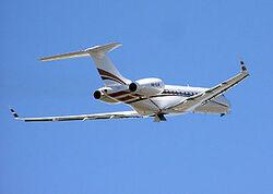300px-Bombardier bd-700 global express arp 750pix