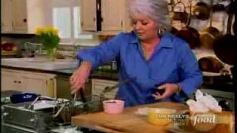 Paula Fries a Cheesecake