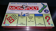 1990s Monopoly NZ box 2