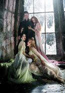 Dracula-and-Brides-van-helsing-12157360-704-1000