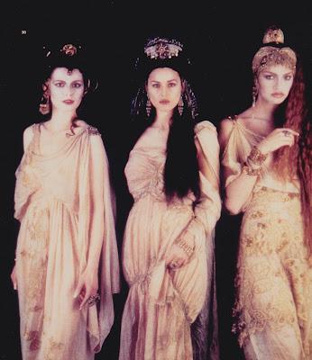 File:Dracula Coppola vampire brides.jpg
