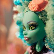 Diorama - Honey's closeup