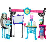Monster High Skulltimate Science Playset