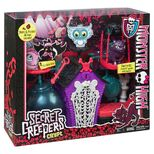 BDF06-Monster-High-Secret-Creepers-Crypt-1